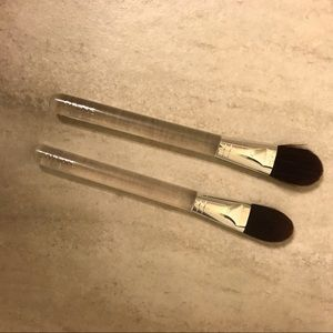 2 small Clinique foundation brushes